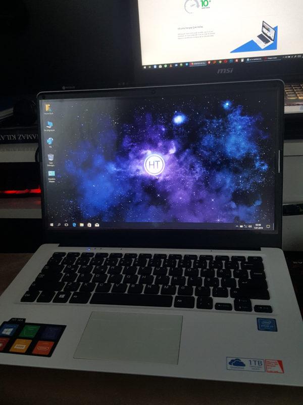 Hometech Beyaz Mini Ultrabook